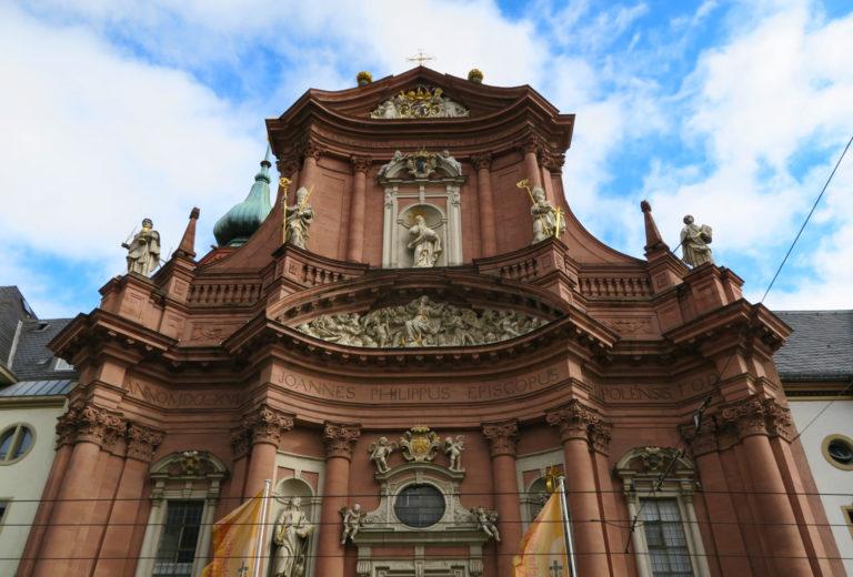 Würzburg, Fassade des Neumünsters